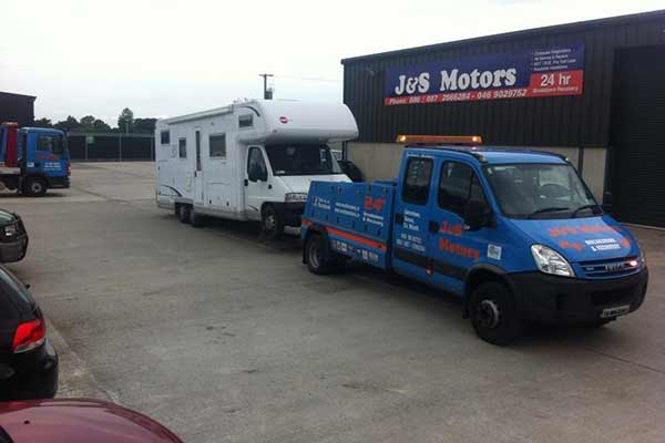 24 Recovery & Towing Service J&S Motors 03
